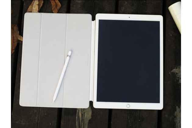 Фирменный оригинальный подлинный чехол с логотипом Apple для iPad Pro 12.9 Smart Cover (MQ0G2ZM/A) белый